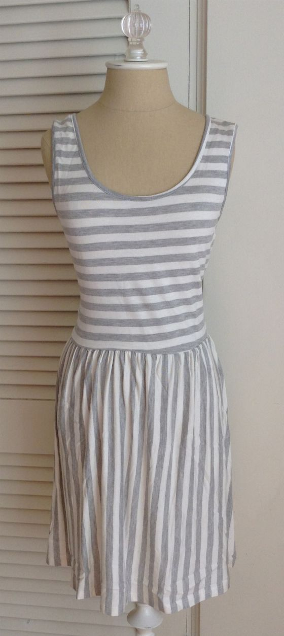 Golden Tote Review – March 2014 Priddy by Puella Striped Dress Cray cray adorbes!