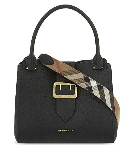BURBERRY  Buckle medium grained leather tote 1595.-