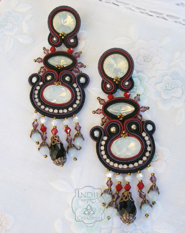 Designed by Indil Creazioni. #aoutache #earrings #bordeaux #black #aubergine #white #earringsoutache #indilatelier https://www.facebook.com/indilatelier/