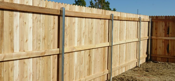 dog ear fence with 3 sets of 2x4 39 s for image only just saw on diy yc that they took a chain. Black Bedroom Furniture Sets. Home Design Ideas