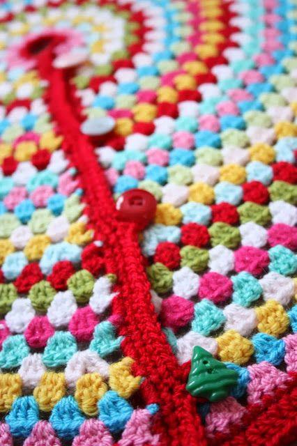 Cherry Heart's crocheted Christmas Tree Skirt