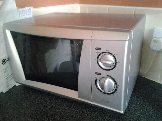What frequency are microwaves? @Luke_Bettridge