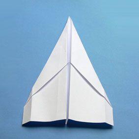 die besten 25 papierflieger falten ideen auf pinterest. Black Bedroom Furniture Sets. Home Design Ideas