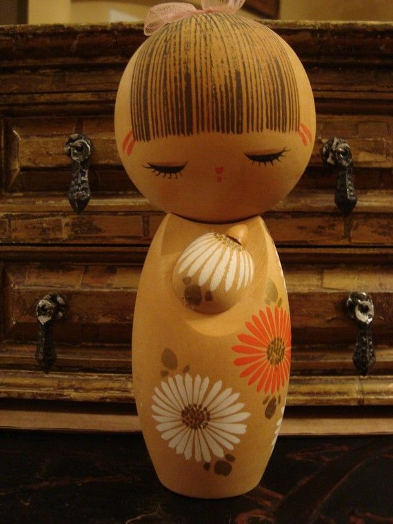 Vintage kokeshi, what a sweet face!: Pas Toujours, Des Jouets, Kokeshi Dolls, Sweet Faces, Japan Kimmidoll Kokeshi, Les Kokeshi, Vintage Japanese, Japan Kokeshi, Japanese Kokeshi