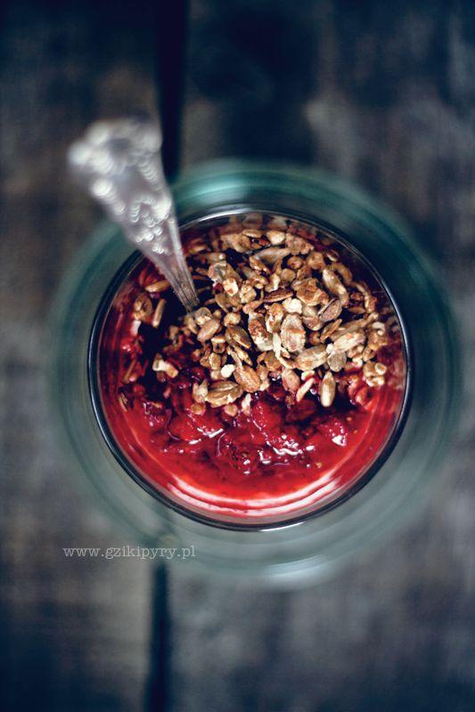 Granola. Przepis na zdrowe śniadanie