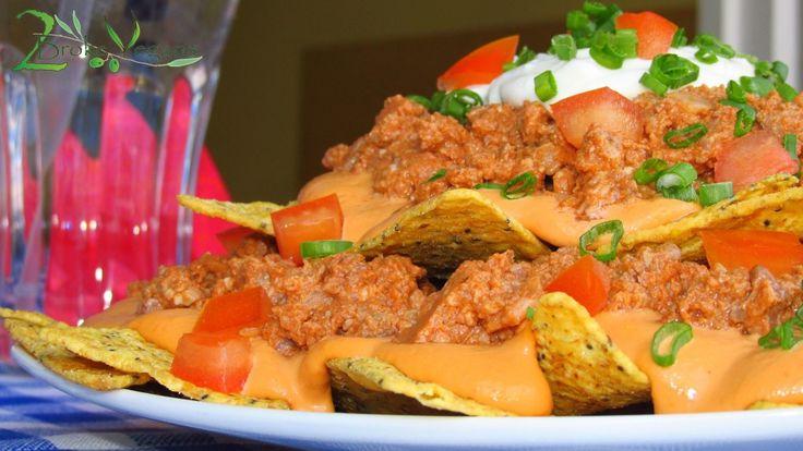 Vegan Nachos Bell Grande Nachos Supreme Recipe: http://2brokevegans.com/vegan-nachos-bell-grande/