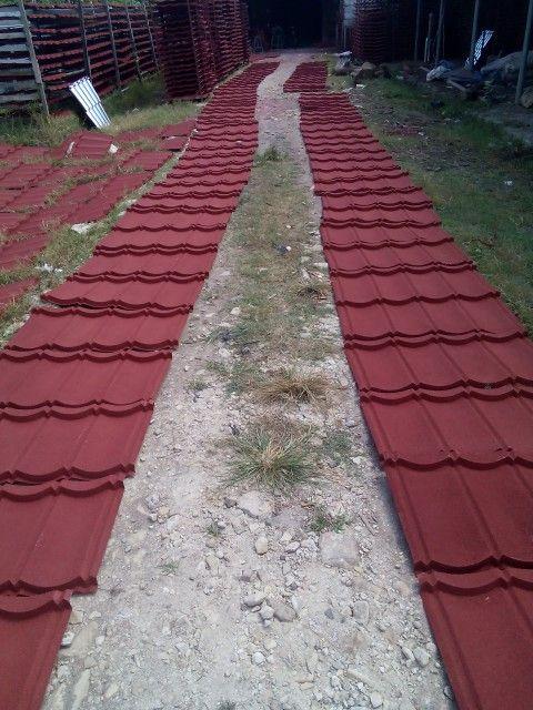 Genteng metal berpasir merah Marron