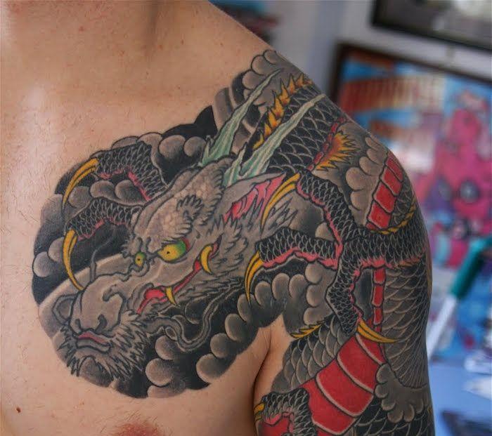 tatouage sabre japonais top amazing tatouage dragon japonais u mythologie et puissance with. Black Bedroom Furniture Sets. Home Design Ideas
