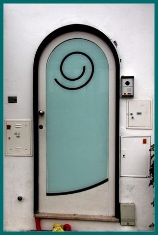 Porto Portugal Smiling Door Art A Photo By Josecps Unique Doors Beautiful Doors Doors