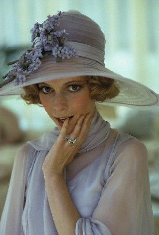 mote-historie:  Mia Farrow as 'Daisy Buchanan' - 1974 - The Great Gatsby - Directed by Jack Clayton