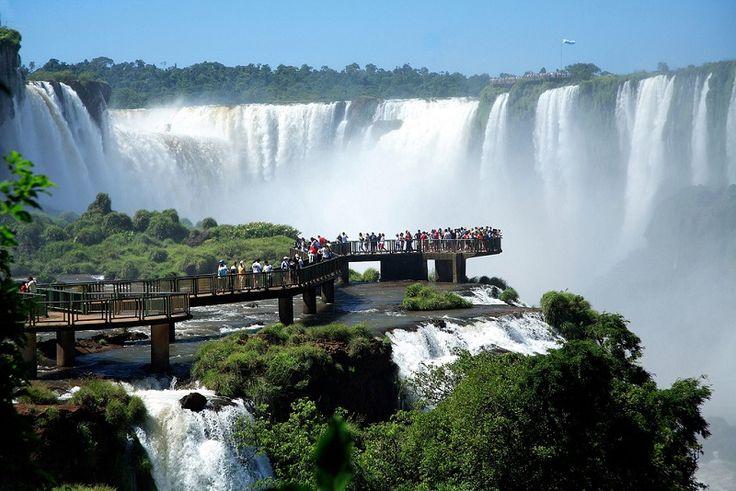 Водопады Игуасу в Бразилии. Фото