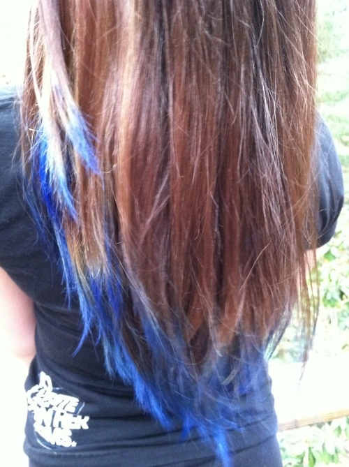 Blue Dip Dye {source} Curl Up and Dye http://sexystrands.tumblr.com/post/12856819853