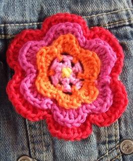 crochet flower - pattern in Dutch
