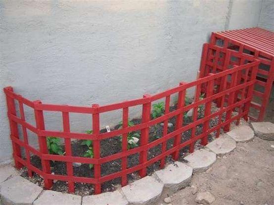 cheap  quick diy garden fence   dogs