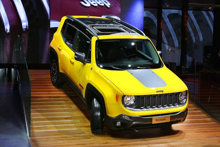 Jeep Treks to Paris to Debut New Off-Roaders Jeep Renegade ...