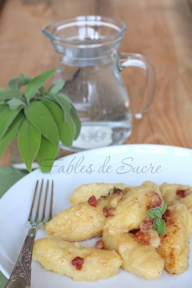 Gnocchi di patate crude, con pancetta e salvia. Li avete mai mangiati? Lasciatevi tentare dalla loro particolarità. Una specialità del Trentino Alto Adige.
