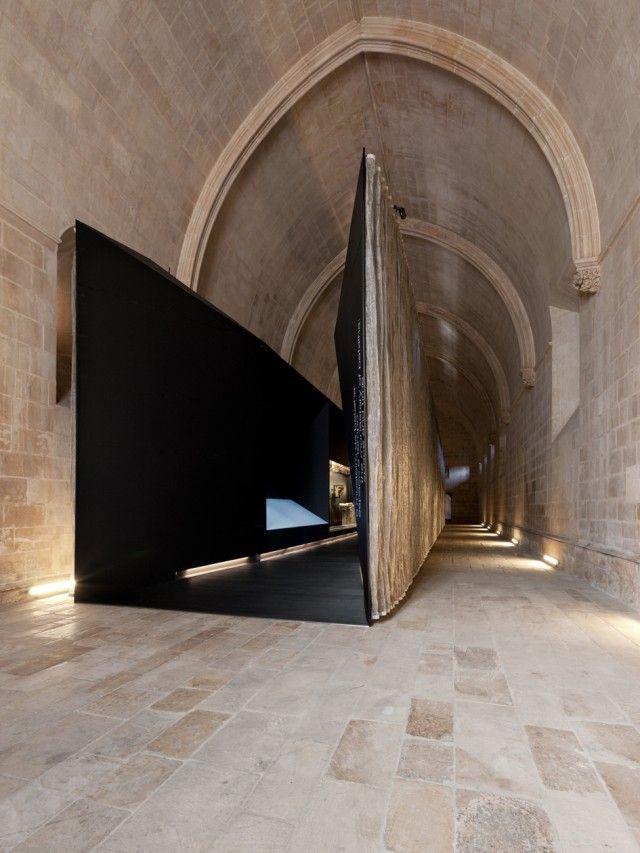 Menos é Mais  Interpretative Centre in Batalha Monastery-Adega Dos Frades