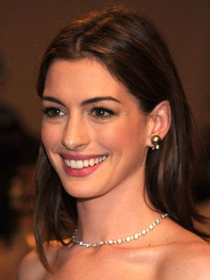 How to Get Anne Hathaway's Hair Color | POPSUGAR Beauty