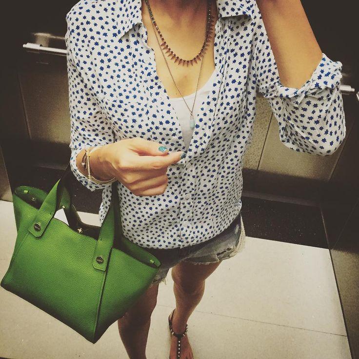 # #엘베샷 #elevator . . . . . . #ootd #dailylook #follow #me #fashion #style #패션 #스타일 #줌마그램 #줌마스타그램 #줌스타그램 #팔로우 #이큅먼트 #별블라우스 #자라 #F21XME #포에버21 #jeffreycampbell #옷스타그램 #셀스타그램 #미러샷 #전신샷 #거울샷