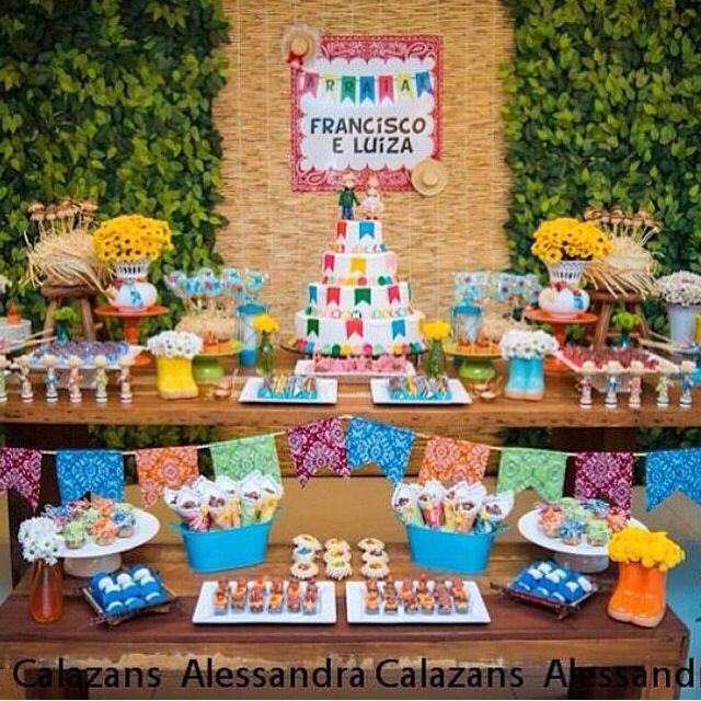 Mesa de bolo e doces - esteira como painel