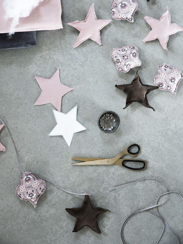 DIY julpyssel sy en girlang i tyg av Mormorsglamour / DIY make a christmas garland by Mormorsglamour