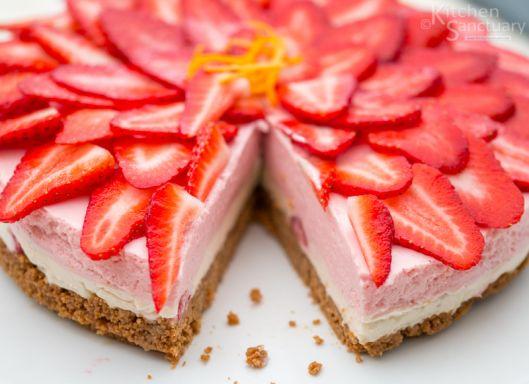 Cheesecake+φράουλας+χωρίς+ψήσιμο