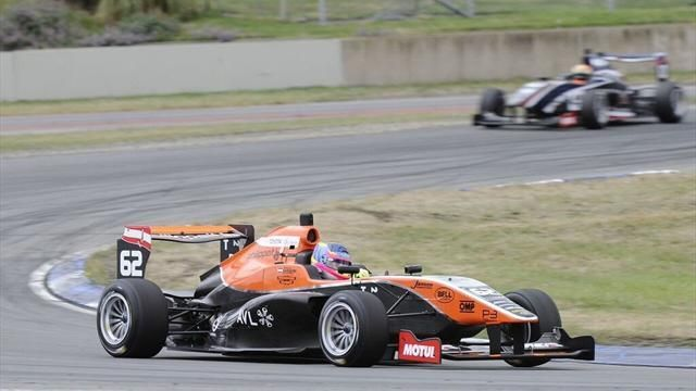 Habsburg Ferdinánd vezeti a Toyota Racing Series-t-Sports Car