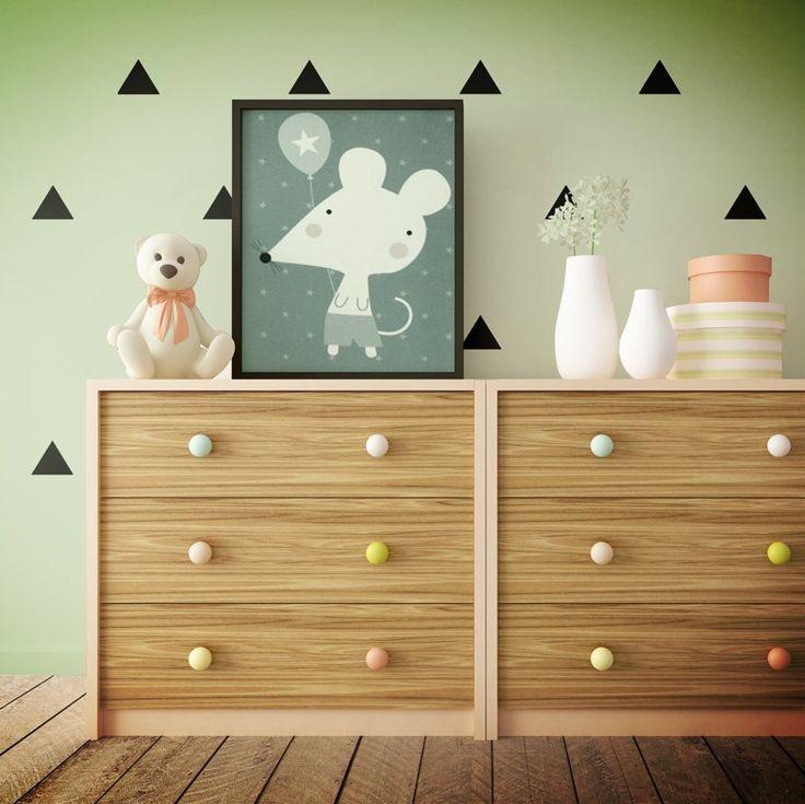 Crea un ambiente propicio para el descanso de tus niños aplicando un tono verde en sus paredes.