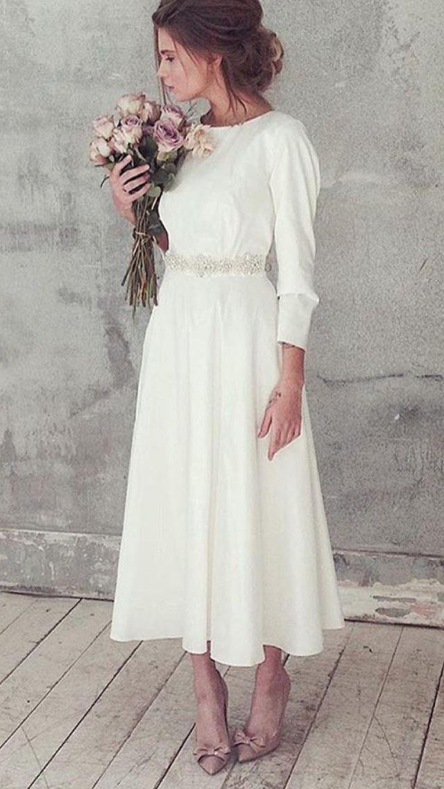 19b50b7e07d209 Schönes und einfaches kurzes Brautkleid | One day.... | Kleid hochzeit,  Kurze hochzeitskleider und Hochzeitskleid