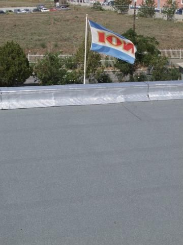 """Αποθήκες """"ΙΟΝ"""" στη Θεσσαλονίκη - υγρομόνωση δωμάτων (2000)"""
