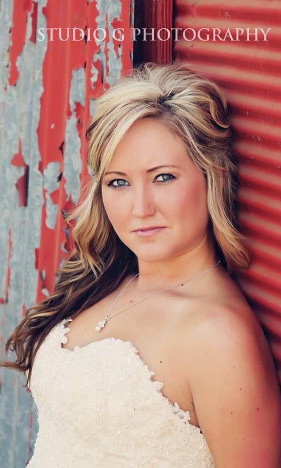 Bridal Portraits - Studio G Photography - Country Chic Wedding