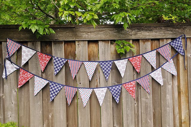 How to make a pennant banner.  Idea to sew sports pennants together for Charlie's room.