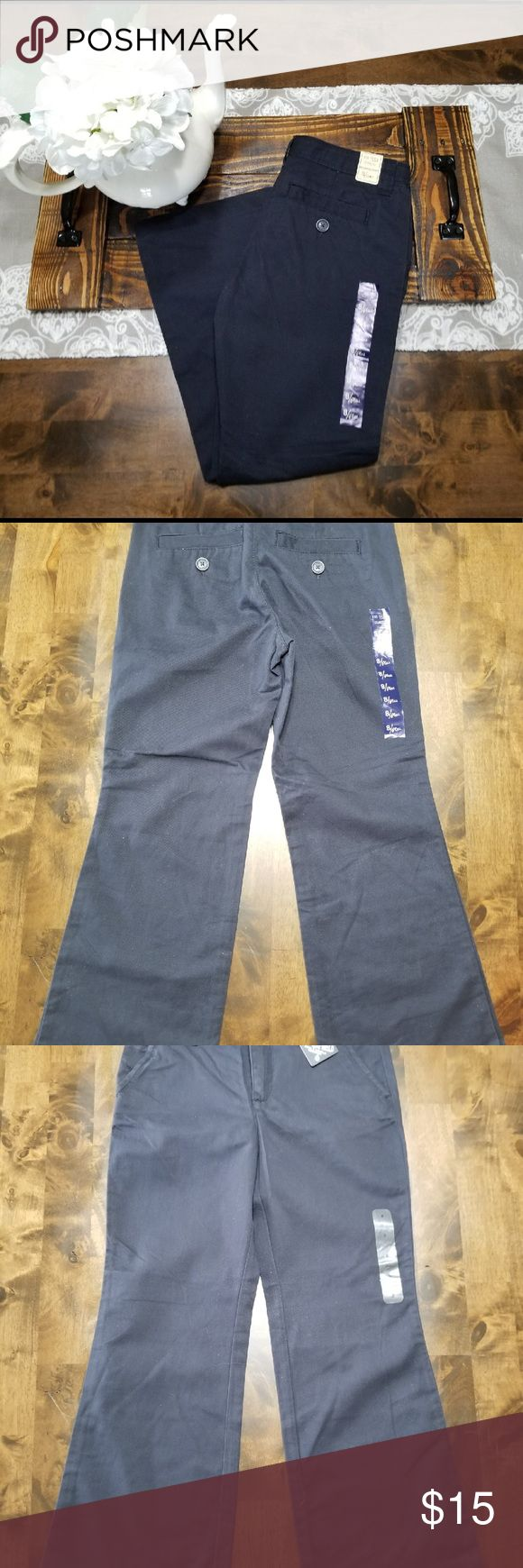 GapKids GapShield Navy Khaki Pants Sizing: adjustable waist, 8 plus                                            Cut: mid rise                                                                           Fit: relaxed through the hip and thigh                                  Leg opening: wide                                                                 Color: NAVY GAP Bottoms