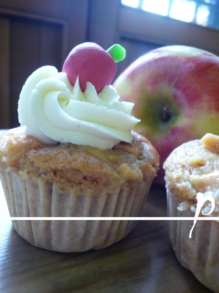tortine..mele mele e ancora mele...con caramello salato..<3