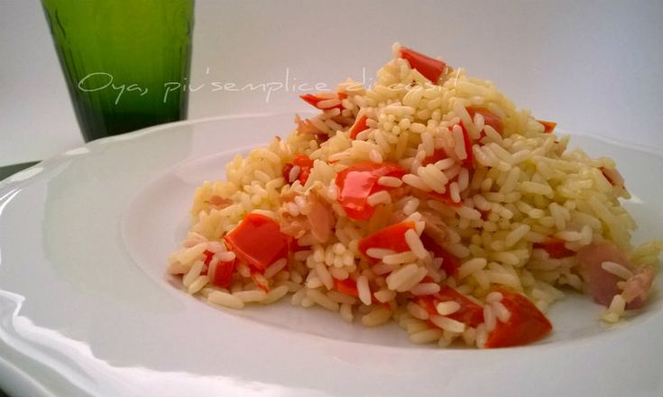 Risotto peperoni e prosciutto, ricetta. http://blog.giallozafferano.it/oya/risotto-peperoni-e-prosciutto-ricetta/