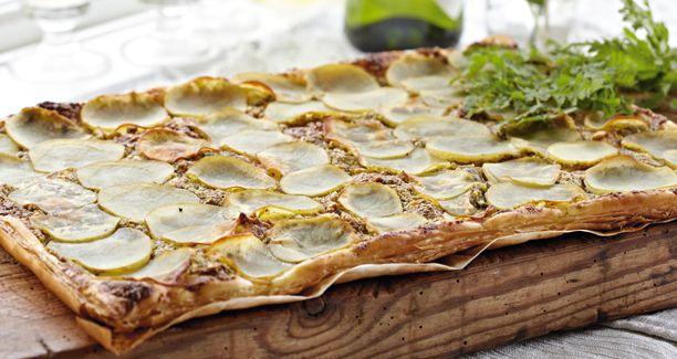 Her får du opskriften på en lækker butterdejspizza med kartofler