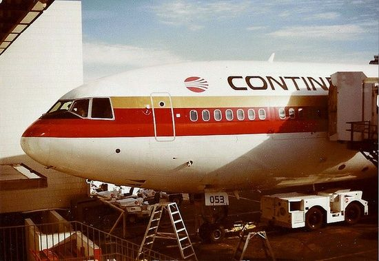 Continental Airlines,N68053, 1974 McDonnell Douglas DC-10-10CF, C/N 47807 at LAX by Eugene Delaney, via | http://funnycommercialadsphotos.blogspot.com