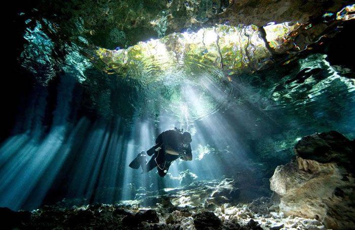 Daily Adventures – 10 Amazing Scuba Diving Images