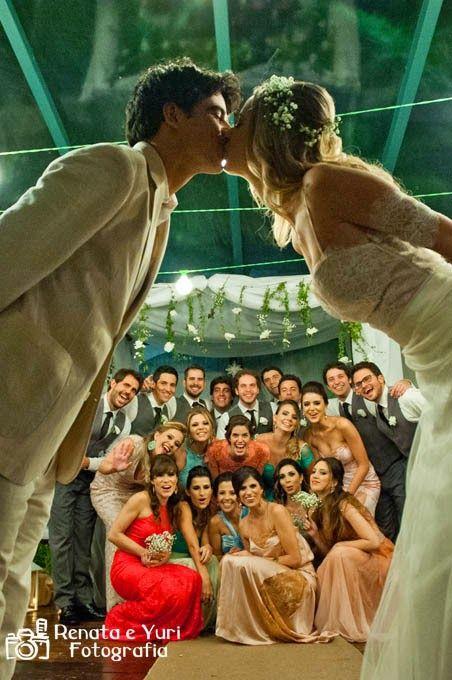 O casamento de hoje é uma inspiração para quem vai casar ao ar livre. O colorido dos detalhes e a emoção dos noivos tudo muito contagiante! A energia é boa e dá para sentir pelas fotos de Renata e...