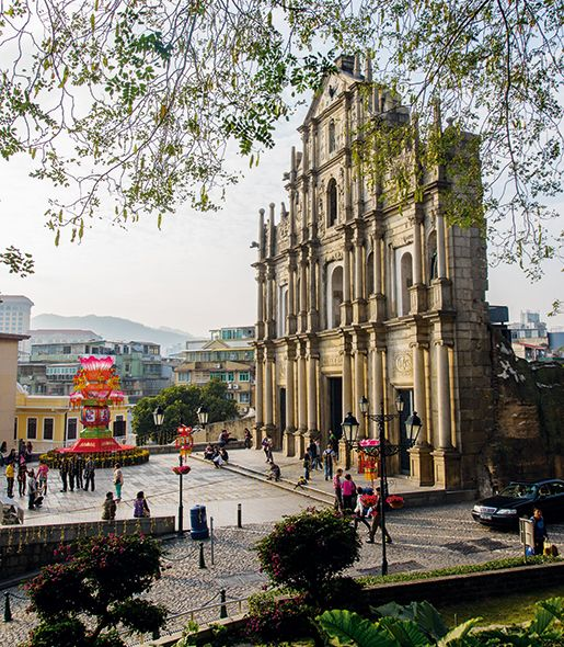 Vacations & Travel Magazine - Macau a hot spot in 2015