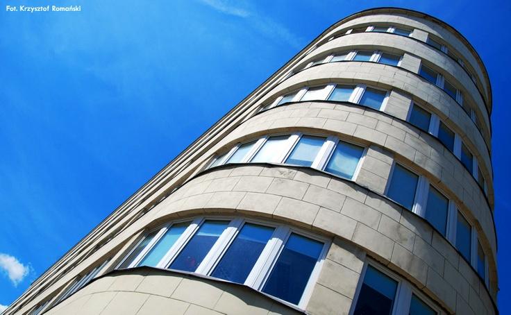 Perła gdyńskiego modernizmu - budynek PLO / A pearl of the modernism of Gdynia - Polish Ocean Lines HQ   fot. Krzysztof Romański   #modernism  #gdynia  #architecture