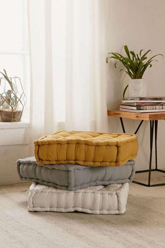 Банкетки, пуфы и подушки для дома
