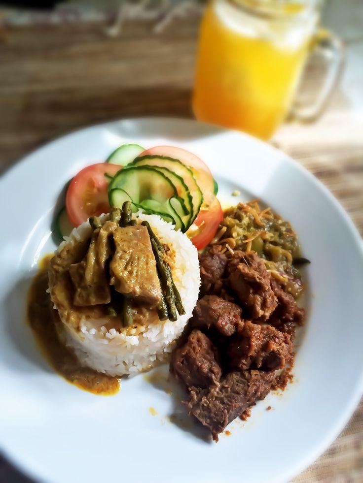 Nasi Padang + Rendang + Sambal Lado Ijo