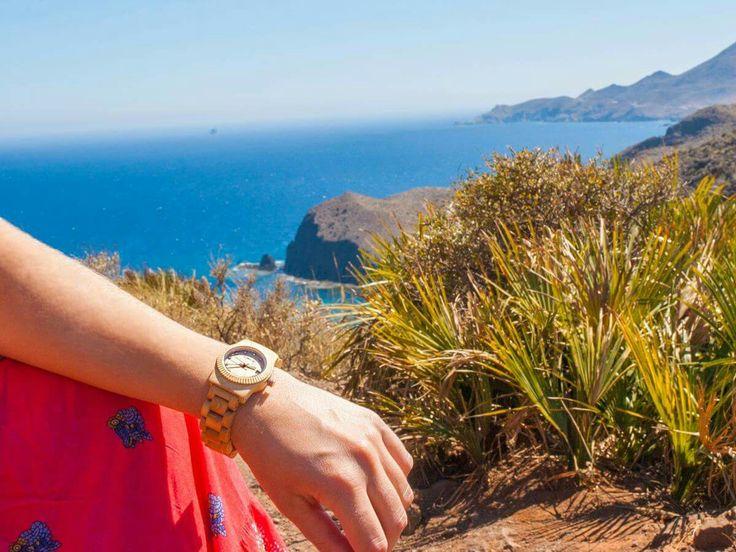 Reloj de Madera ★ Cohnquer Serenity M. Siente la comodidad de la madera con diseño elegante y versátil..