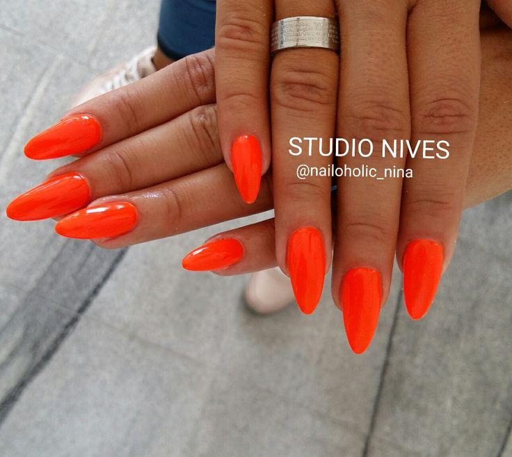 Neon love 😍