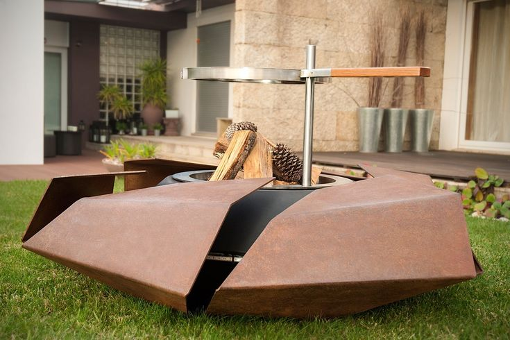 Stravaganza breaks with a traditional Fire Pit concept