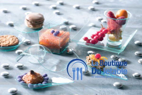 Vaisselle jetable en plastique vert transparent pour un buffet ou un apéritif. En vente ici : http://www.laboutiquedujetable.fr/2-vaisselle-jetable