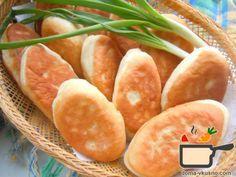 Рецепт теста очень легкий, а жареные пирожки получаются мягкие и воздушные! Готовить такие пирожки можно с различной начинкой: отварной картофель с жареным луком, яйцо с рисом, капуста и т.д. В данном варианте начинка такая: обжаренные с луком грибы, смешанные с нарезанной отварной куриной грудкой. Понадобится: Тесто: 1 стакан (250 мл.) теплой воды 1 ст.л сухих дрожжей 1 ст.л сахара 2 ст.л растительного масла щепотка соли мука(сколько возьмет тесто) Готовим: В теплой воде развести дрожжи и…
