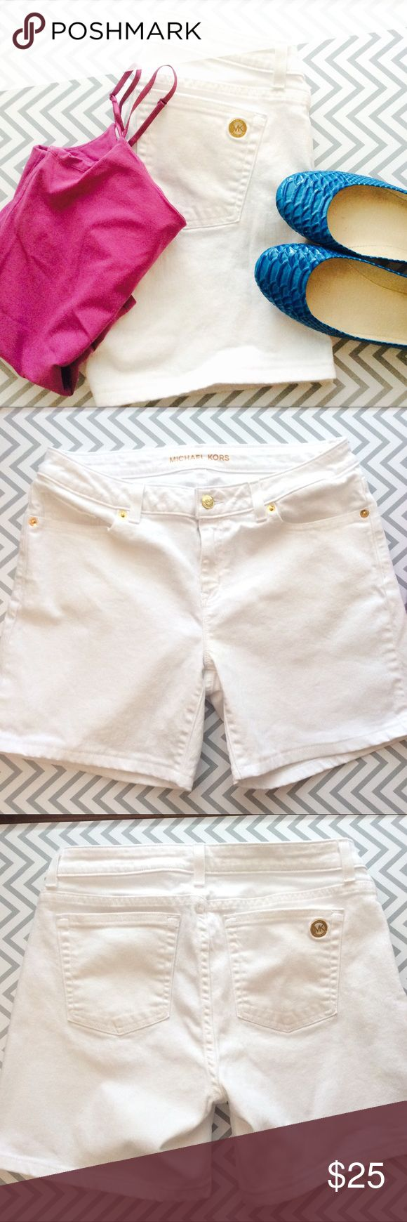 ⚜️Michael Kors White Bermuda Shorts These bright white denim Bermuda shorts are a great fit and have a higher waist. Worn only a couple of times. I looked really carefully and saw no stains. Practically new! Michael Kors Shorts Jean Shorts