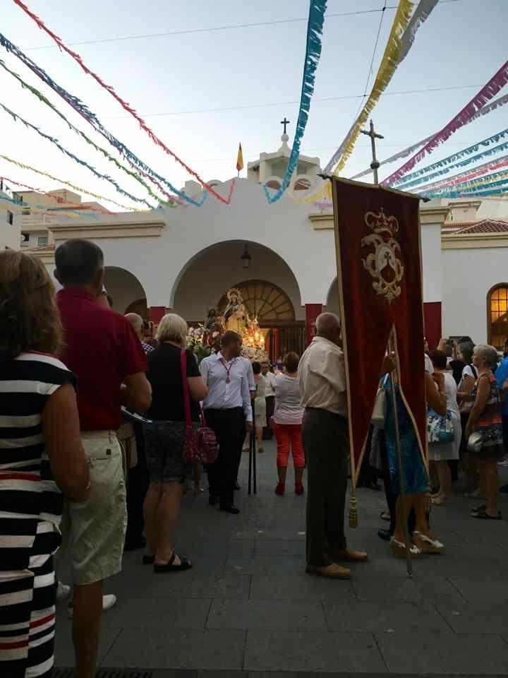 Virgen del Carmen Los Cristianos gaat door de eerste zondag van september. Na de Mis, processie naar de haven, inscheping Virgen del Carmen, tenslotte vuurwerk